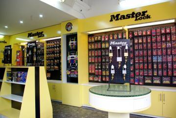 Cửa hàng trưng bày Master Lock